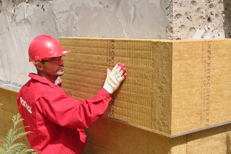 Минстрой обяжет застройщиков использовать сохраняющие тепло материалы