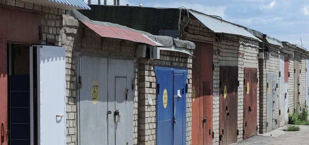 Налог на гаражи и бани начислят автоматически