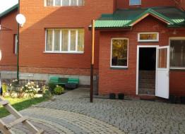 дом, Яблоневая ул., 73