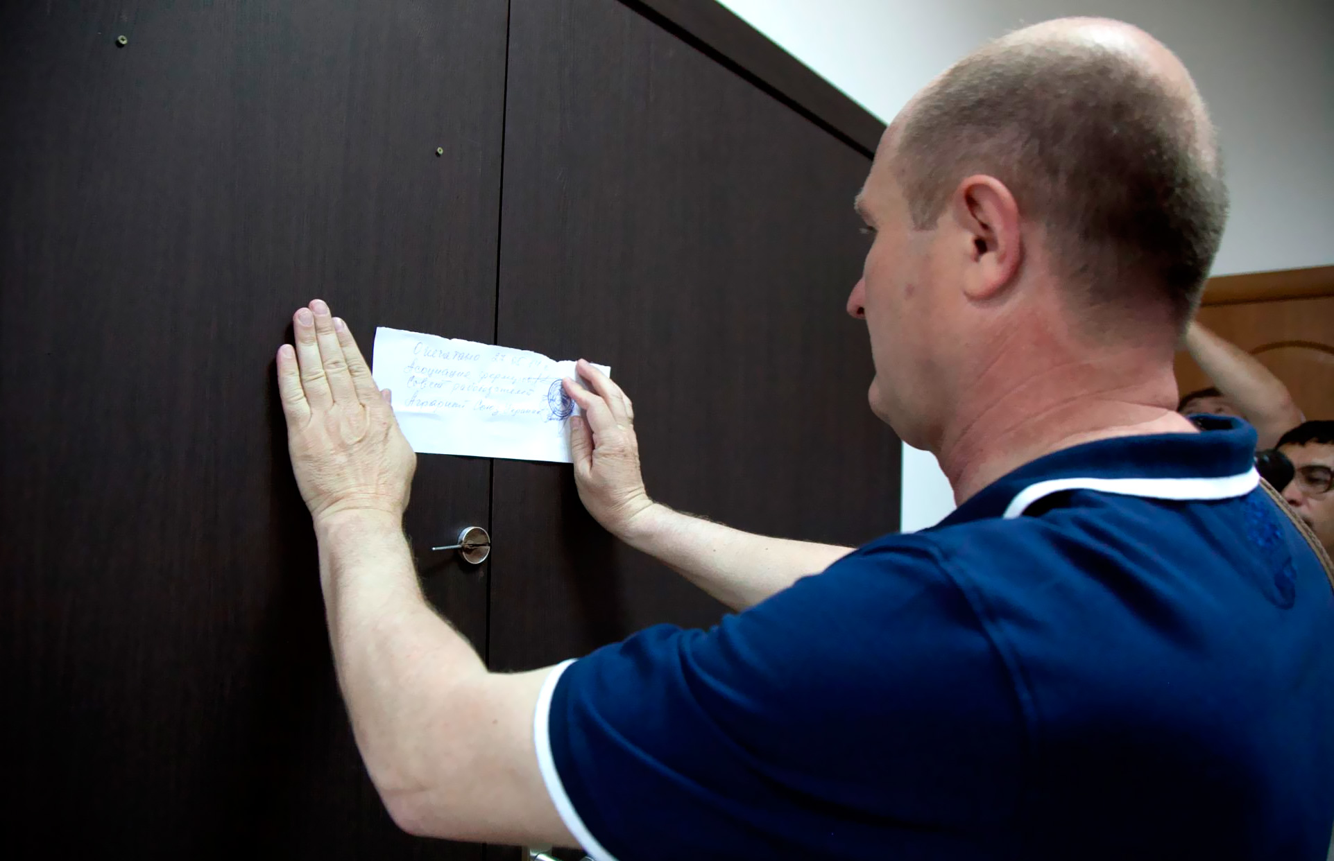 Минюст предлагает разрешить арестовывать единственное жилье должников